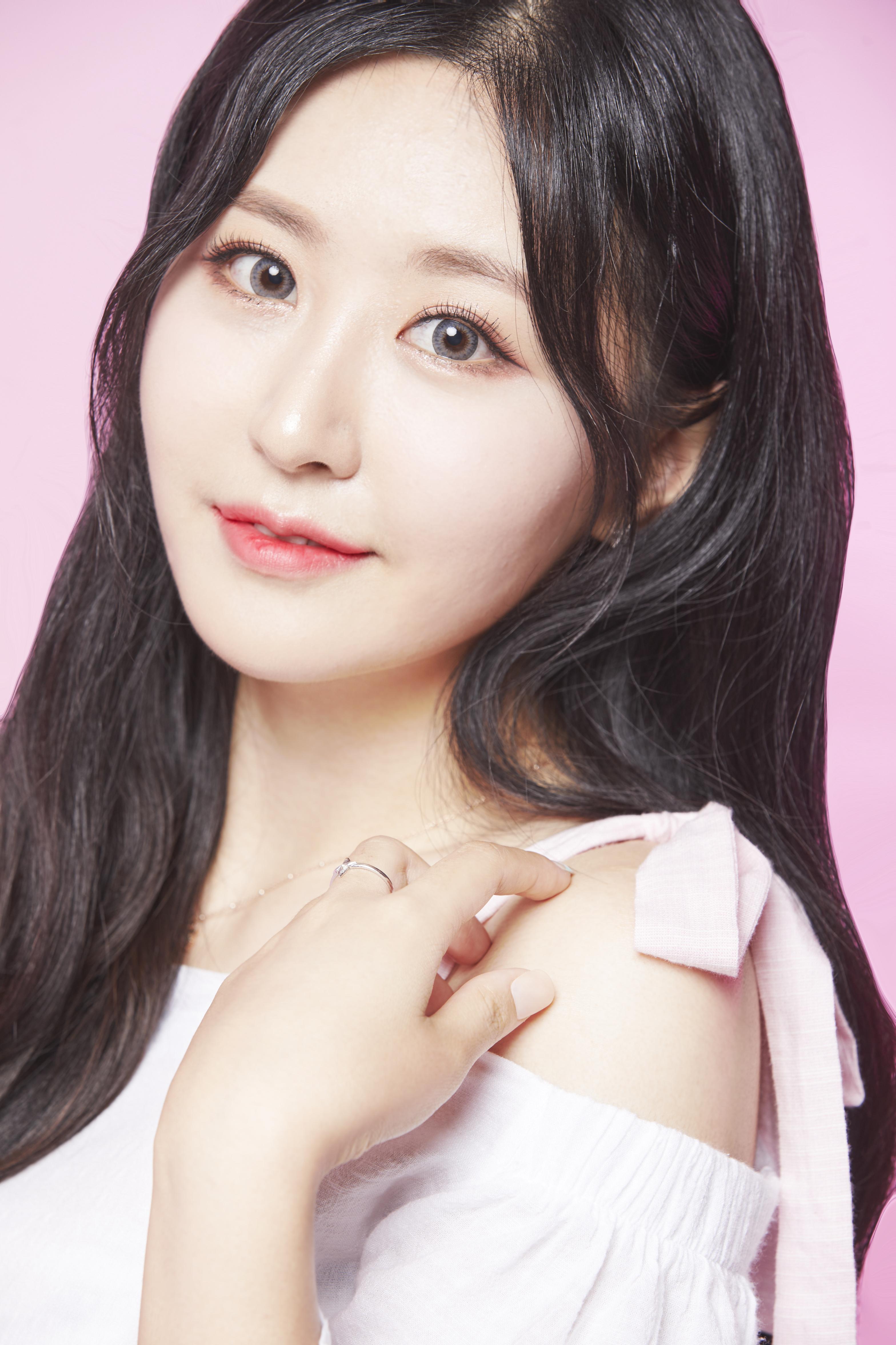 YoonKyung profile image