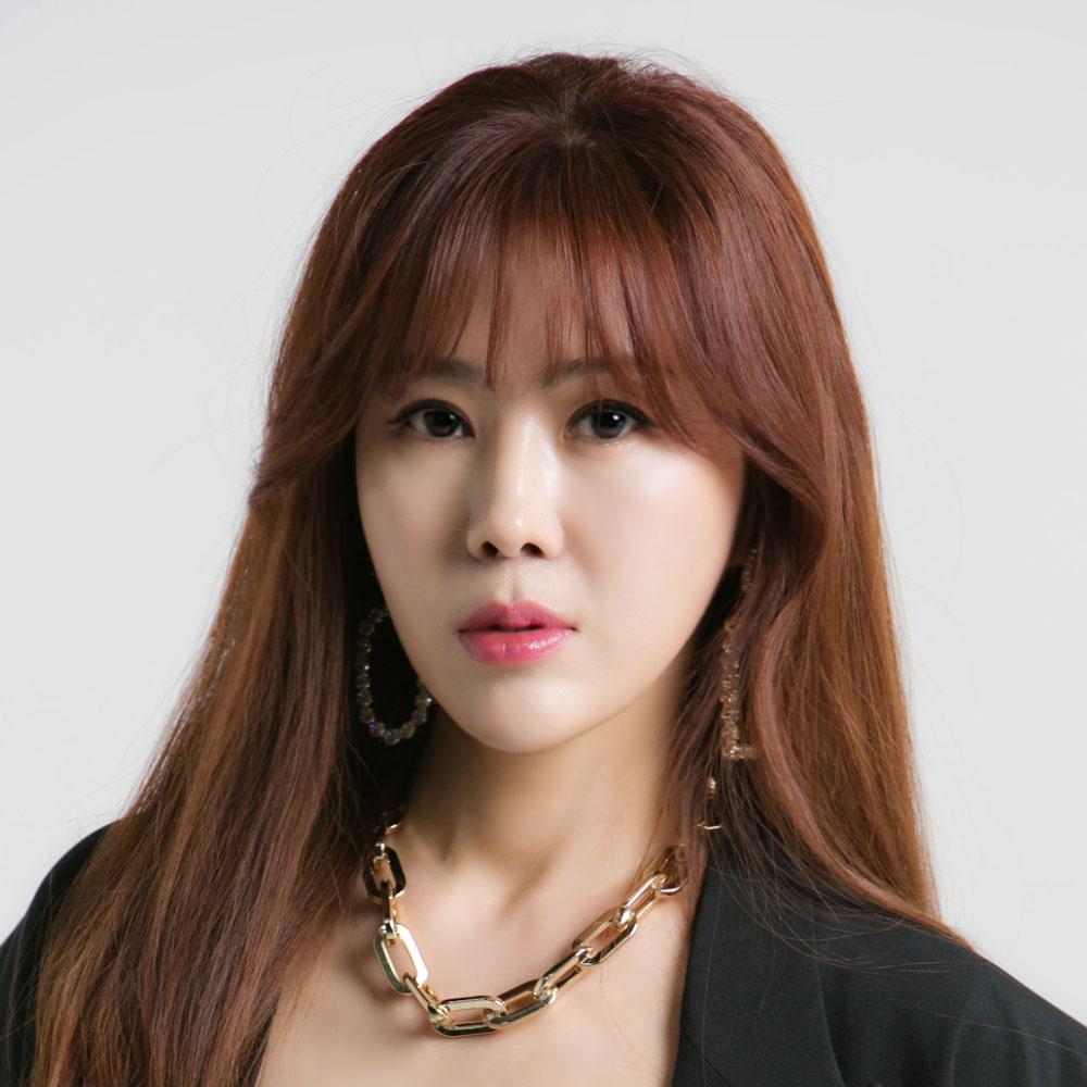 Yu Young profile image
