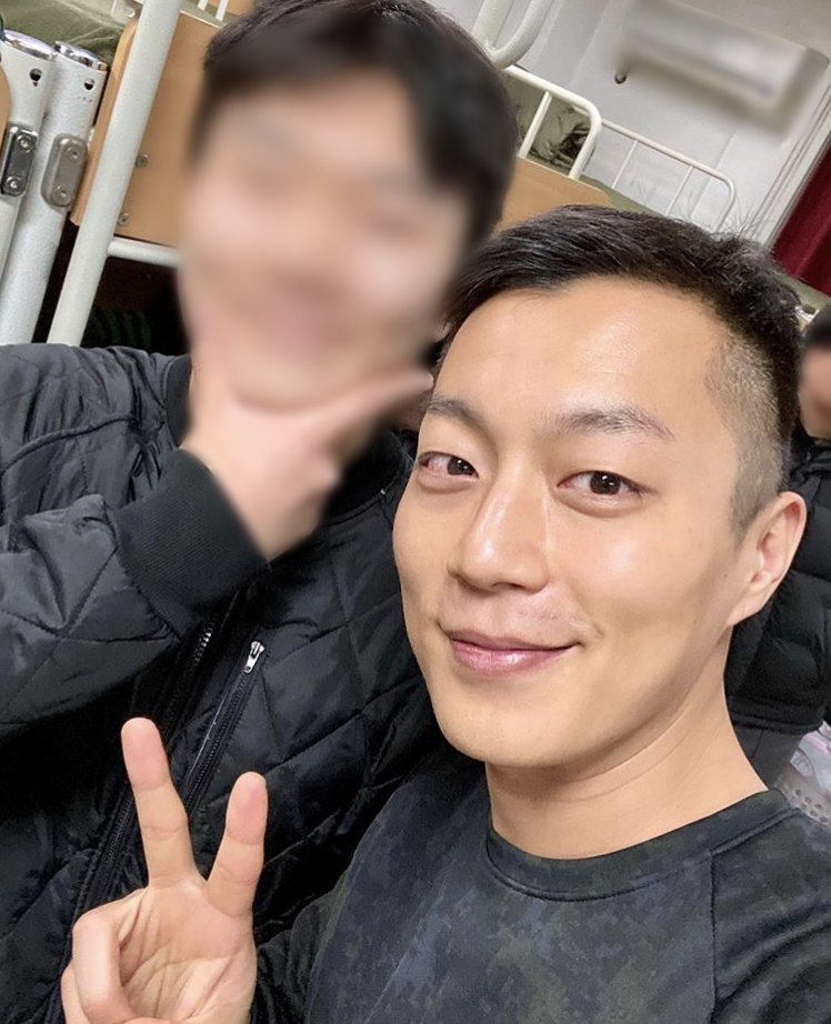 [200122] instagram update with Doojoon ¦ source : duspoon