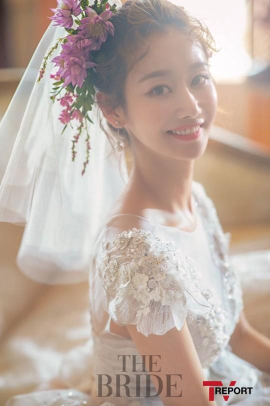 de ha anunciado que se casará el 23 de febrero Su prometido es un hombre de negocios de su misma edad que trabaja en Estados Unidos Gunmi ha revelado que está embarazada de 10 semanas …