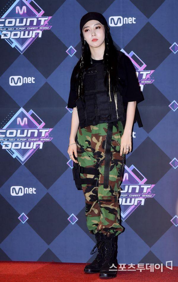 [PIC] 200213 Moonbyul @ Mnet Mcountdown Photo Wall