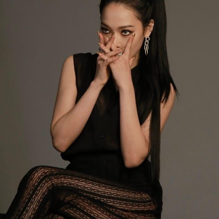 En NAVER se publicaron las fotos promocionales para RED MOON BM y Somin Sammy♣ +