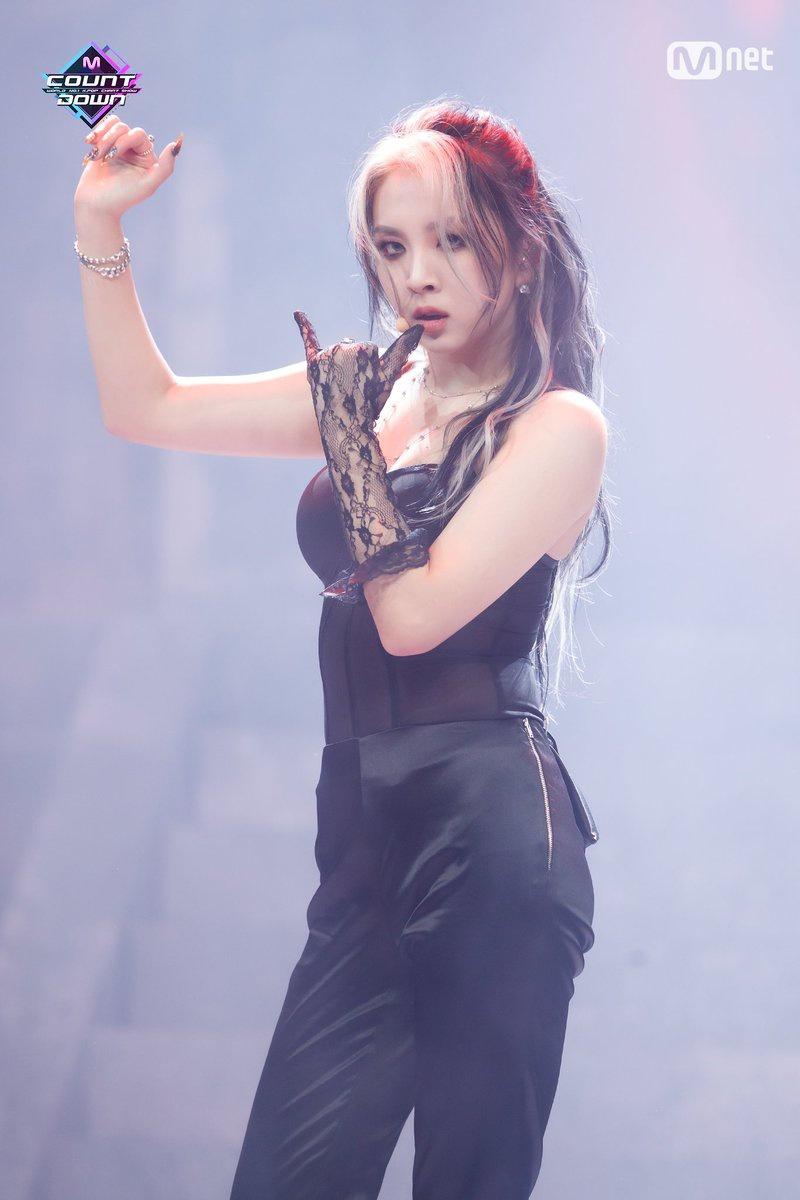 — ☆ kard 200213 | mnet