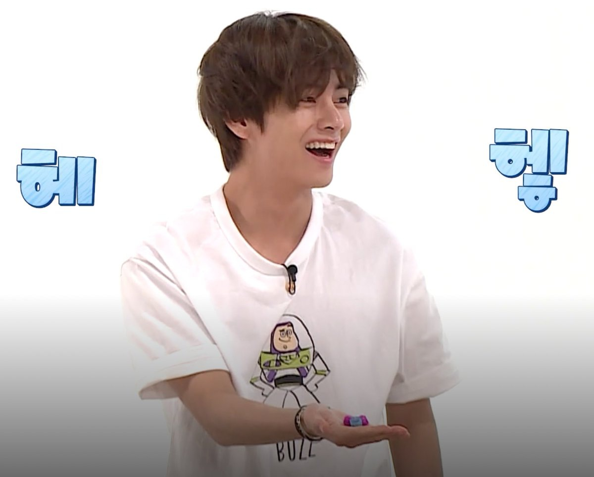 Do I buy the Buzz Lightyear shirt Taehyung wore? :') 200310 | Run! BTS! Ep. 95 Mainbooth x Toy Story Buzz T-Shirt White