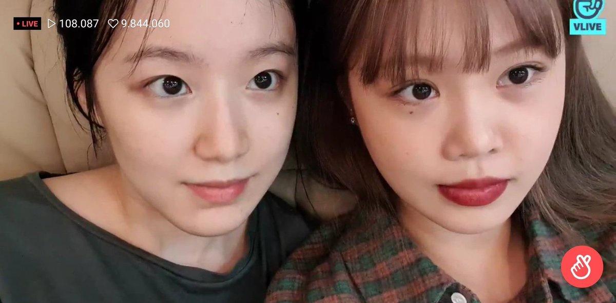 [📸] A Soojin e a Shuhua fizeram hoje uma live 💜❤ | 17.03.20 🔗