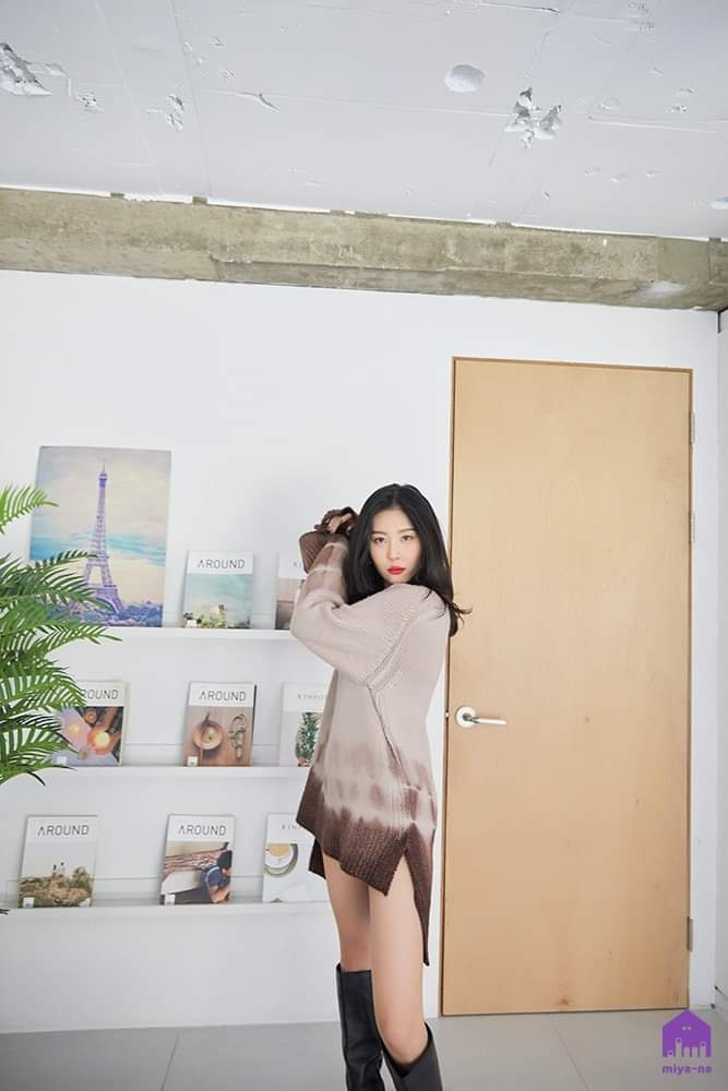 [FACEBOOK] 30.03.2020 - Des photos de Sunmi ont été publiée sur le groupe officiel Facebook 📸 Pictures of Sunmi has been posted on the official Facebook group 📸