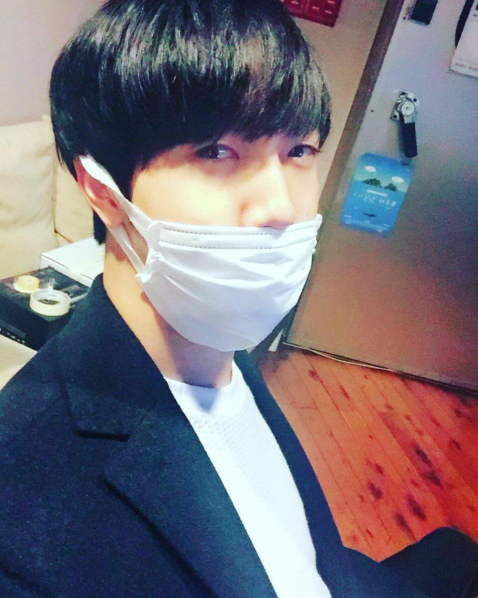[071116] Instagram de Choi Comenzando la semana en el estudio ja <Puede haber errores en la traducción>