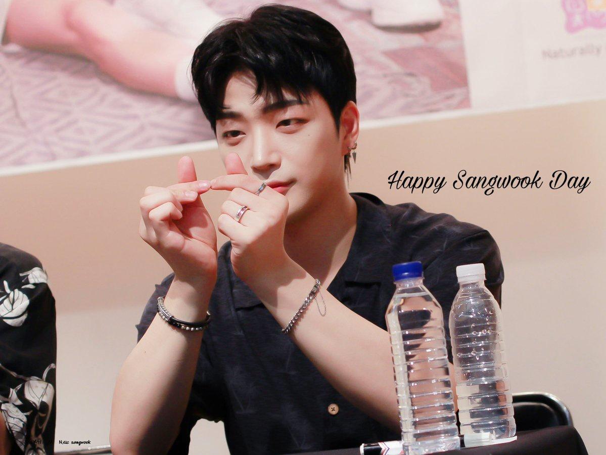 🎂200414 HAPPY SANGWOOK DAY🎂 🥰 🥰 상욱오빠 마지막으로 생일 정말 축하해ღ 오빠의 하루하루가 완벽하진 않더라도 행복하길 늘 응원할게❤ 남은 오늘 하루는 정말 최고의 하루를 보내기를 바래🙏
