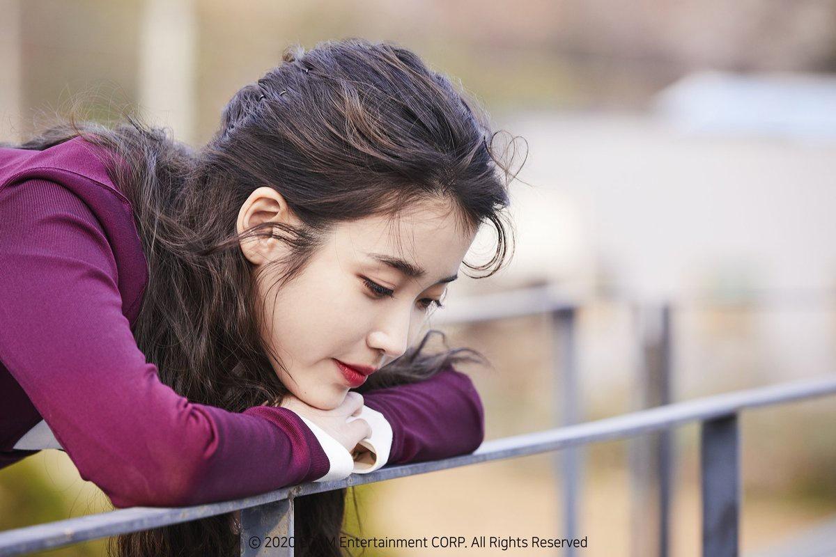 📷 200507 ไอยู ในเบื่องหลังการถ่าย MV เพลง eight(에잇 ...