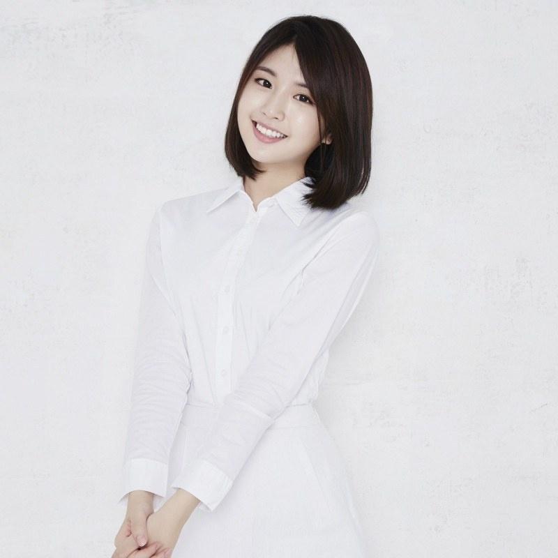 ❤️𝒏𝒂𝒎𝒆 ... Hayoon ❤️-> 정하윤 ❤️𝒈𝒓𝒐𝒖𝒑𝒆 ... ❤️𝒃𝒊𝒓𝒕𝒉 ... 21/11/1998 ❤️𝒃𝒆𝒄𝒂𝒖𝒔𝒆 ... Voice