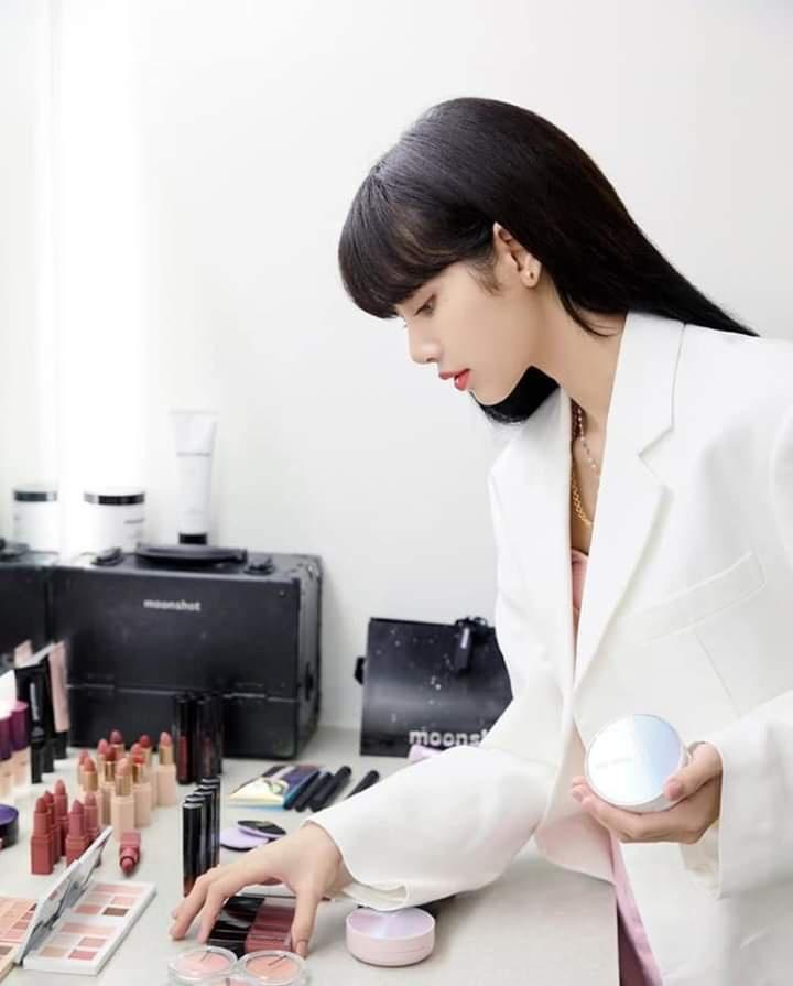 [IG] 200605 — moonshot_korea updates with Lalalisa 💞 beautiful lady 🤗💖😊😍_3