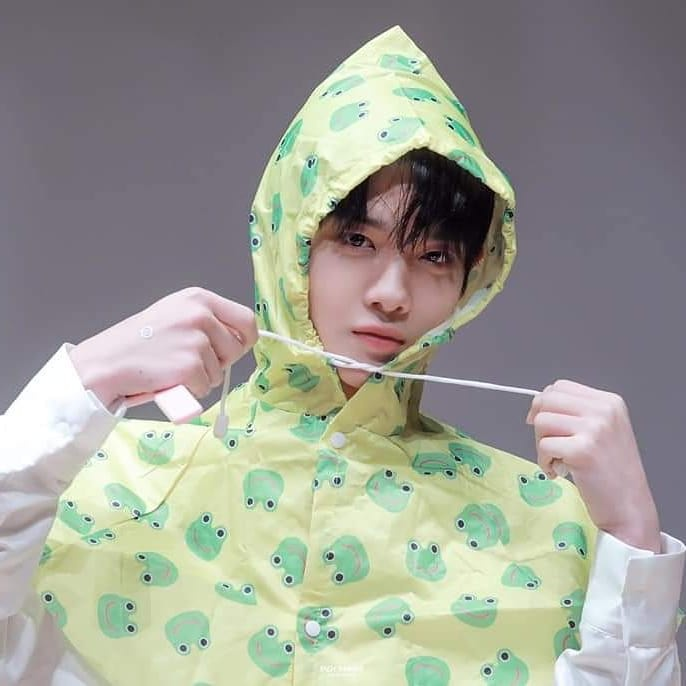 Baeby in the rain ☂☂☂☂ 190817 Fansign_3