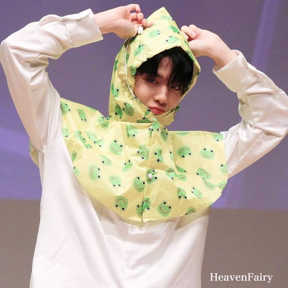 Baeby in the rain ☂☂☂☂ 190817 Fansign_1