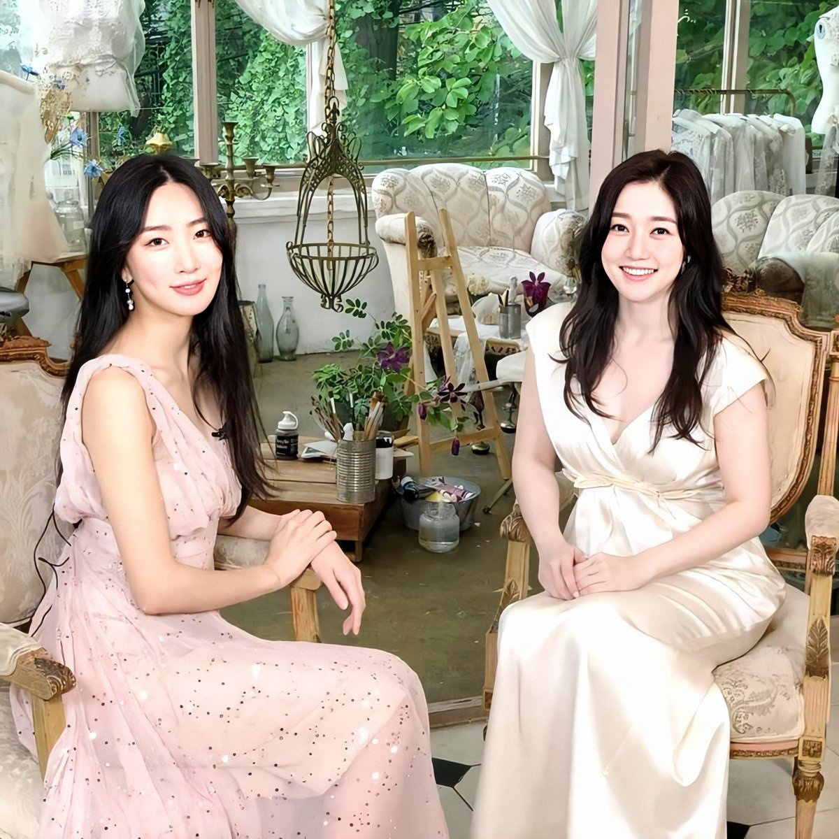 200810 Subin / Dalsooobin - Recording for an interview with (9Muses) Ryu Sera Keep your eye out for their video which will be uploaded soon on Sera's channel ( ) 🎉💙_3