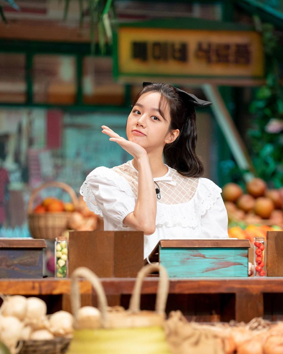 200821 Amazing Saturday Instagram Update! Girls Day Hyeri here is such a cutie 😍 Her black ribbon looks so cute! Can't wait to watch this episode tomorrow!_1