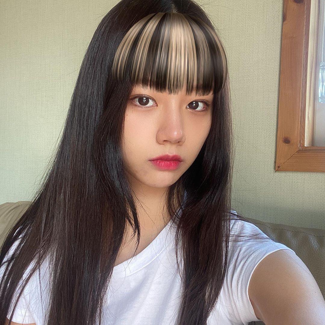 200823 Girls Day Hyeri Instagram Update!! Hyeri with bangs!? I miss that. Her long black hair looks so good. Hyeri is so pretty with our without bangs. Is short hair Hyeri making a comeback? We'll see soon._1