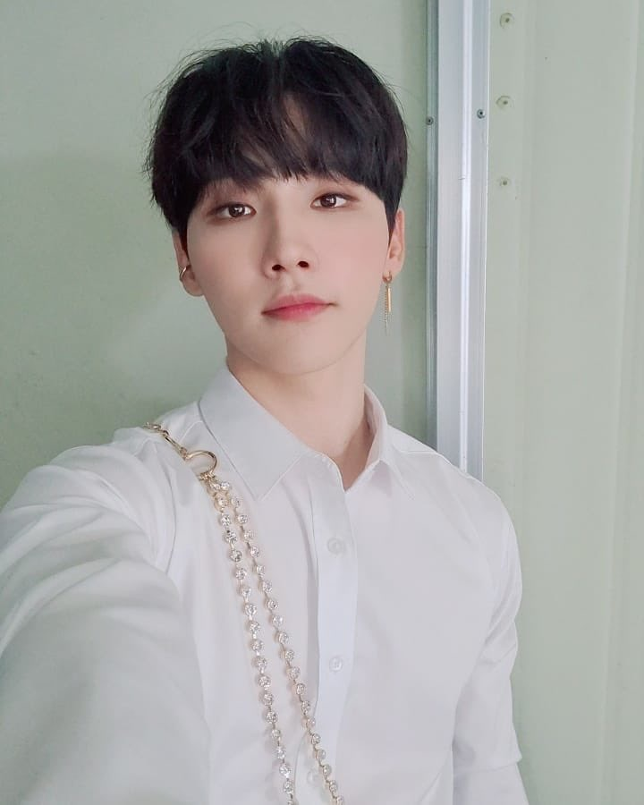 200824 Ab6ix Official Instagram Update With Jeon Woong Ab6ix Intl 1 Kpop Profiles Makestar