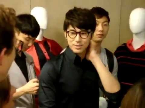 100909 Lacoste store in NY!_1