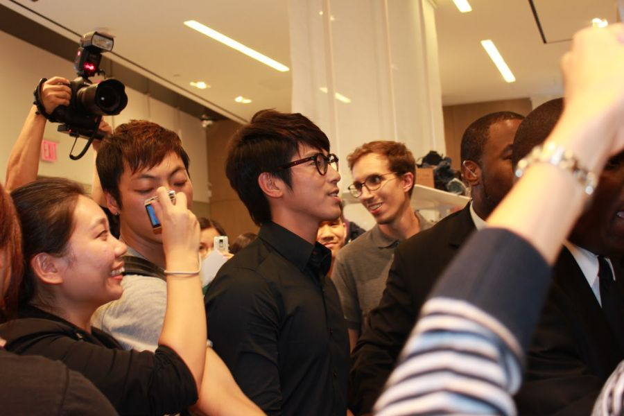 100909 Lacoste store in NY!_3