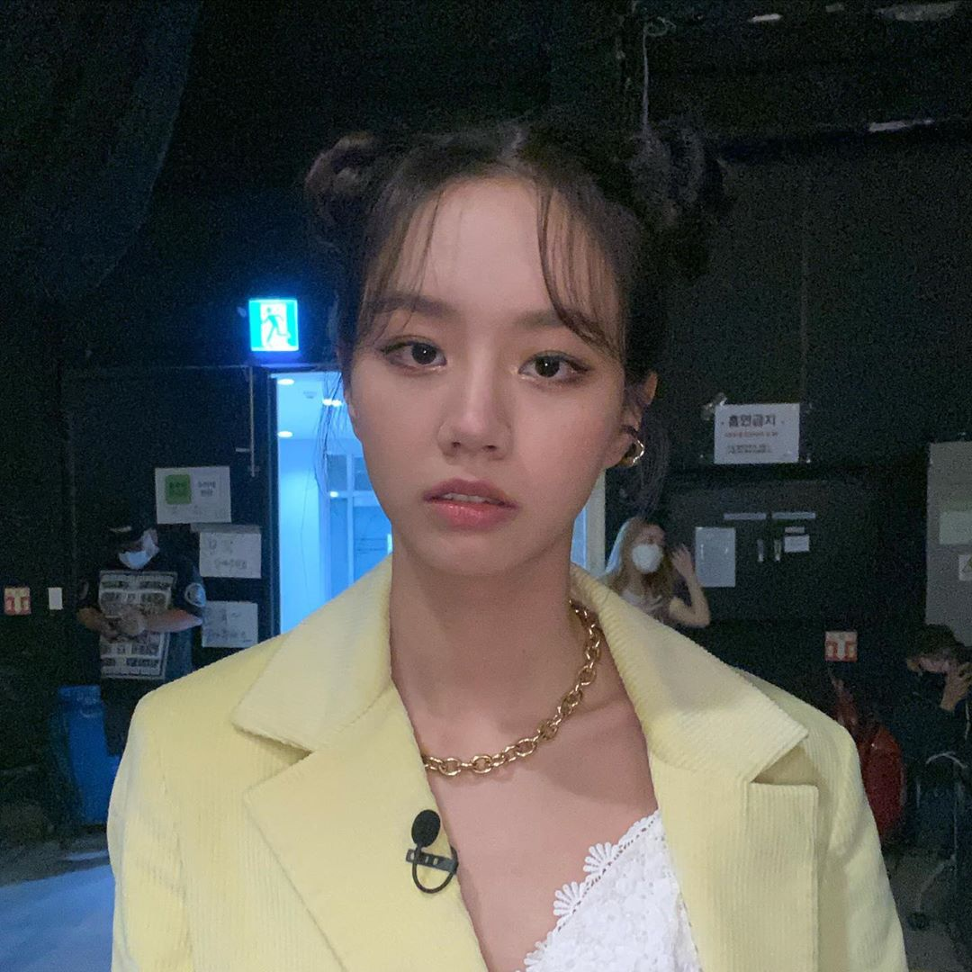 200912 Girls Day Hyeri Instagram Update! 😍 Hyeri close up! WOW. She's so pretty. Excited to see Hyeri tonight on Amazing Saturday! Hyeri's powerful dancing, her antics and charisma. Power Celebrity Hyeri in action again tonight!! Linda H, ladies and gentlemen!_2