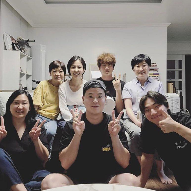 200913 dongmi_shin IG update with Daesung ✨ Black T-Shirt (36,000 KRW)_2