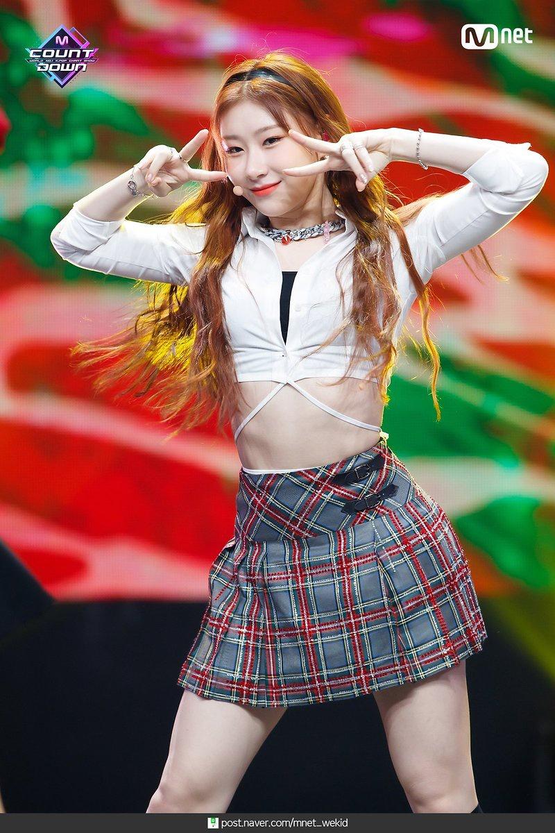 [MCOUNTDOWN PHOTO] Photo of Performing at MNET MCOUNTDOWN (091020)_2