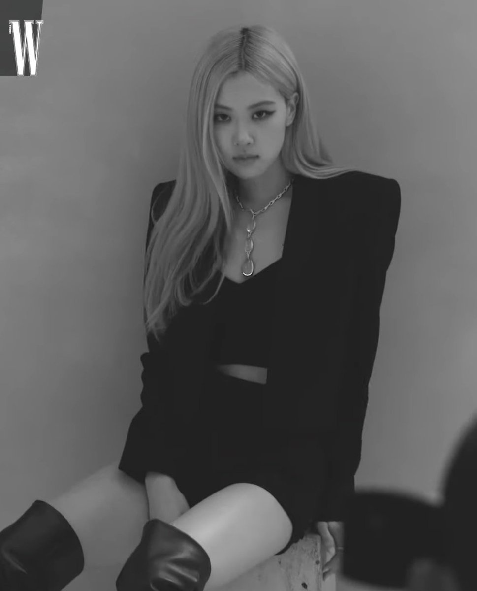 YT • 200915 • W Korea updated with Rosé x Tiffany and Co. Stream the full video on YouTube! 📺 ROSÉ FOR WKOREA x 블랙핑크 로제 블랙핑크 로제 🥀_1