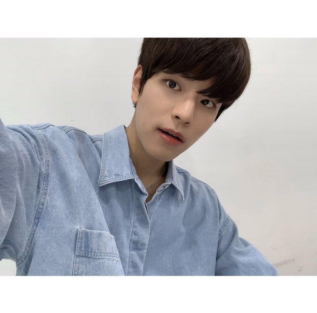 📱INSTAGRAM | 200916 Seungmin • (Trans) 2/2 Eunhyuk sunbaenim, ¡gracias por cuidarnos bien también!! Por favor, dale mucho amor al Spit-heart* de ahora en adelante también uhahahah🤗_2