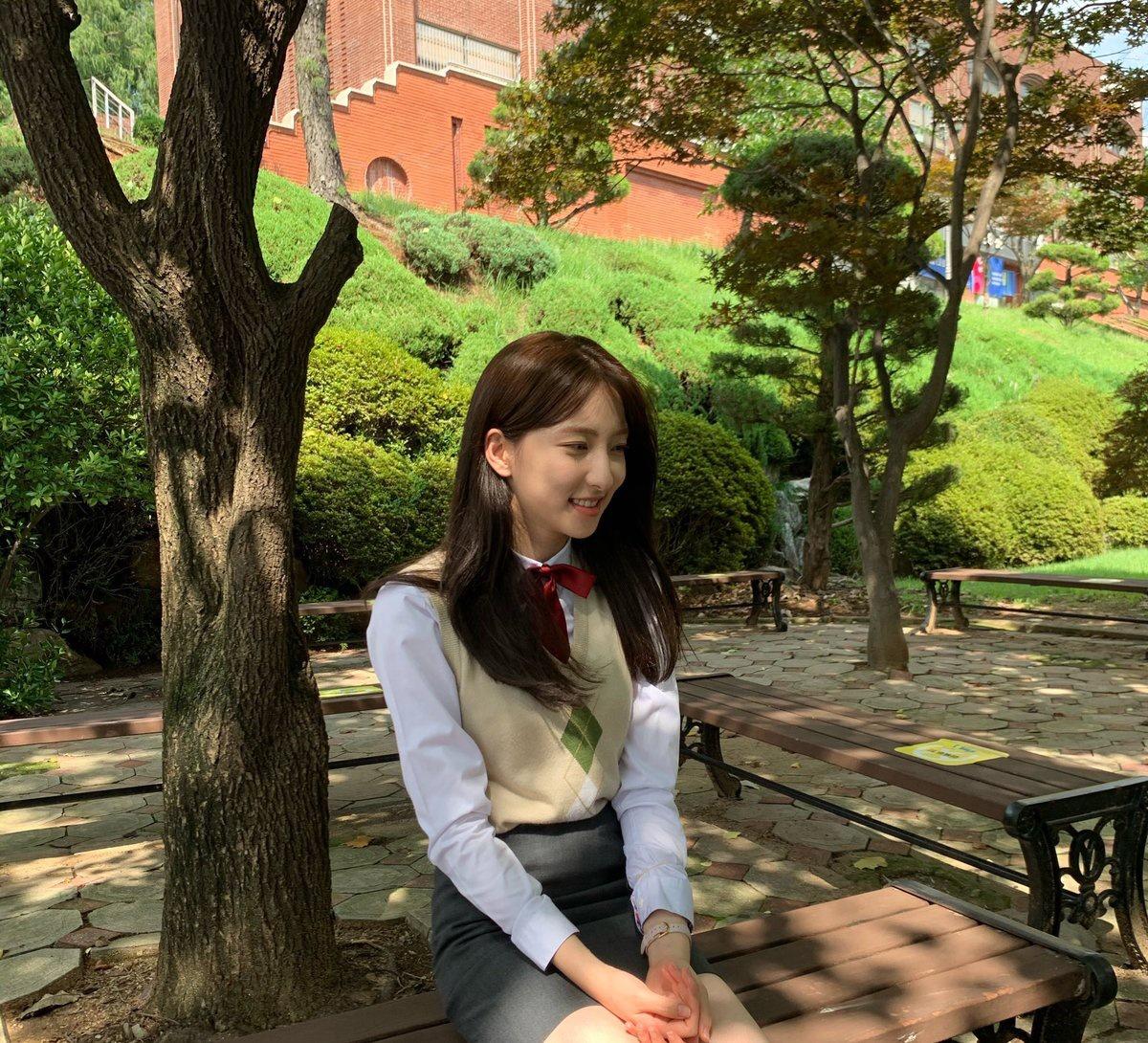 [ 200916 via wjsn_cosmic update by Eunseo ES : วันนี้เป็นวันที่ได้พบกับมินะ เจอกัน 6 โมงเย็นนะคะ 👋🏻
