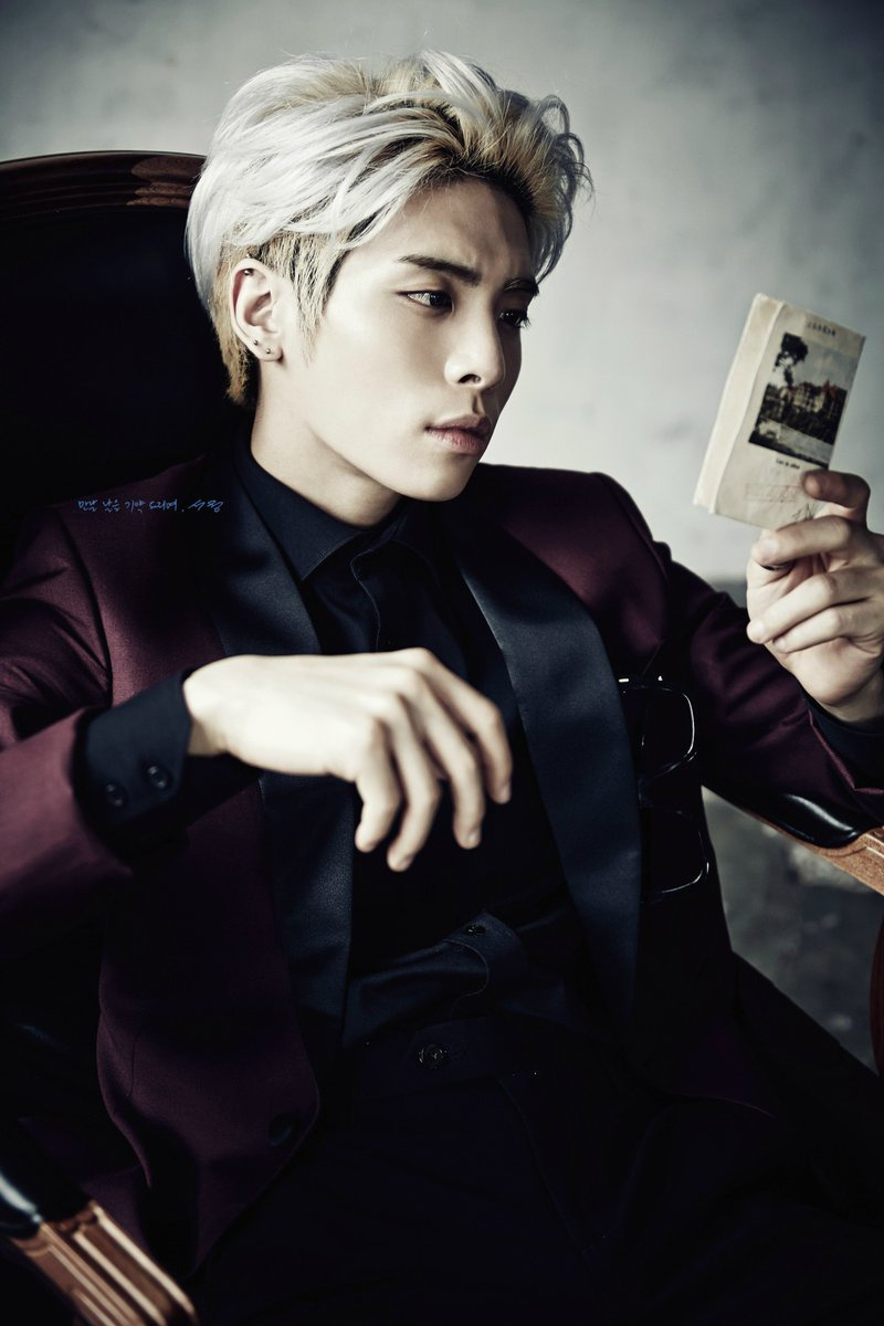200916 🌘 | | Random pics of the Day 🌒 Happy 5th anniversary to Jonghyun's The Collection: Story Op. 1 album. Cr.: Owner /Logos. 🌘 🌒FanClub_2