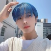 [📷] Inayoshi Hikari ig 200222 Magazine limited only blue hair! Please take a closer look in the magazine! Next what hair color should I try,,, 💙 🦖