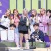 [200703] Youi ve Lara, üyeleri Raon ve Bian, üyeleri Nana ve Minseo, üyesi YoungK ve üyesi Youngjae'yle birlikte Idol Radio'dan. 🥰_3