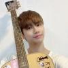 [200804 - - Atualização] 🎐 Eu trouxe Kyoungyoonki hoje para praticar~🎸 Vou praticar bastante e mostrar pra vocês tocando músicas acústicas haha Fighting!*😁 :: ©Dongkiz Brazil_1