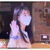 200915 IU sedang menuju ke tempat syuting untuk acara Yoo Heeyeol's Sketchbook. cr: boxgame3_4