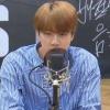 """[200914] BTS, no programa de rádio """"Bae Chulsoo's Music Camp"""" 📷 Introdução do Jin: 🐹: Olá, eu sou o Jin dos BTS, cujo rosto precisa de ser mostrado mundialmente cr:_2"""