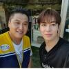 """[200916] UDDD çektiği böcek çiftliğinin sahibi Instagram'da bir fotoğraf paylaştı """"SF-9 Dawon böcek çiftliğini ziyaret etti. Youtube programı olan """"UDDD"""" çektik! Tanıştığımıza memnun oldum ^^""""_1"""