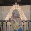 """[📷] 160920   Atualização da Ahin em seu Instagram pessoal 🇧🇷  """"Lindo lustre no foto por ❣""""_1"""